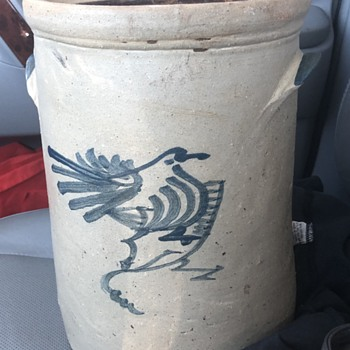 Crock pottery with bird  - China and Dinnerware