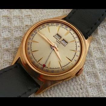 Golden Sunburst Baume et Mercier - Wristwatches
