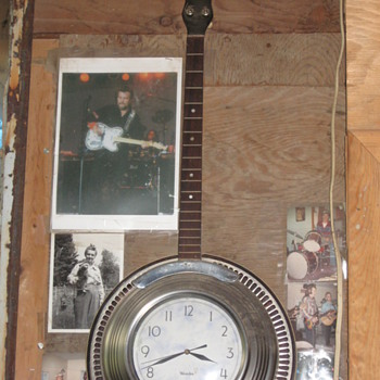 Banjo Clock - Clocks