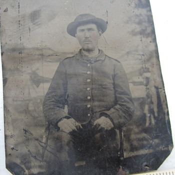 Is he a confederate soldier? - Military and Wartime