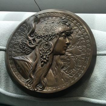 Mucha Sarah Bernhardt plaque? - Art Nouveau