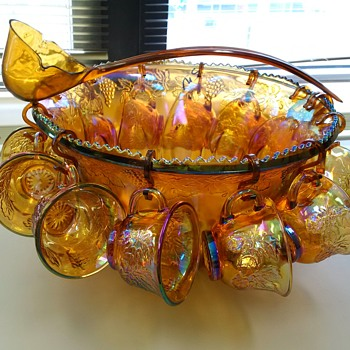 INDIANA CARNIVAL GLASS HARVEST GRAPE GOLD AMBER IRRIDESCENT PUNCH BOWL SET 12 CUPS Ladle