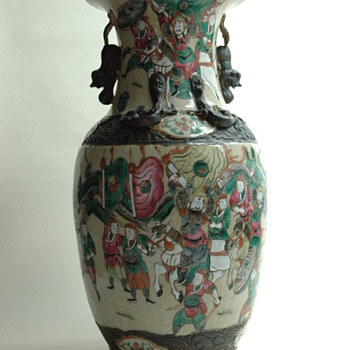 large antique chinese NANKIN pottery vase with warrior scene. - Pottery
