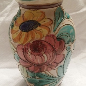 """ SOLVED UPDATE""  Italian Majolica Faience Pottery Vase Italy - Pottery"