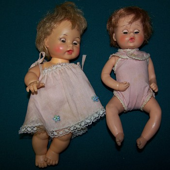 photos of 5 old dolls
