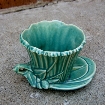 McCoy Lily pad planter - Pottery