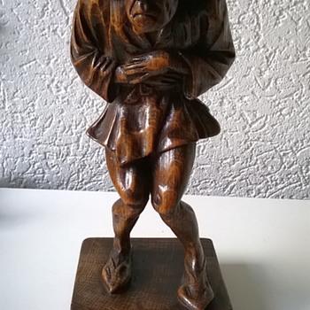 Carved Oak Quasimodo Figure Flea Market Find $2.50 - Figurines