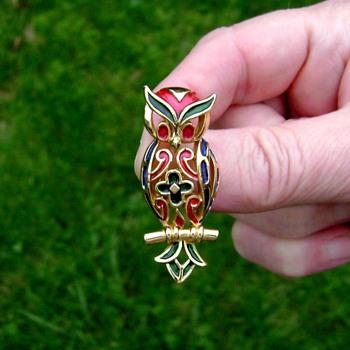 Trifari L'Orient Series Enamel Owl Pin - Animals