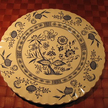 English Staffordshire Nordic Blue Dinner plate