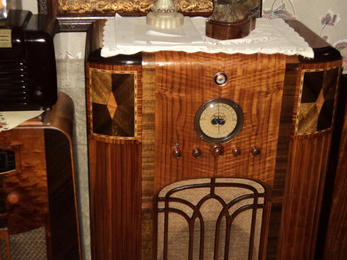 Sparton 811 Console radio | Collectors Weekly