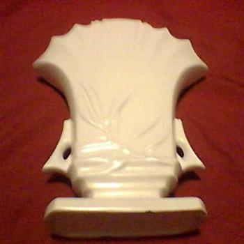 A ROSEVILLE VASE - Pottery