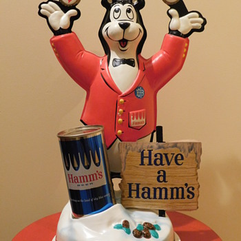 '60s Hamms Bear Bartender Can Store Display - Advertising