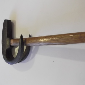 Ram shaped hammer - Tools and Hardware