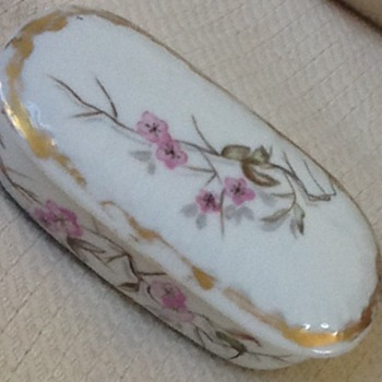 Antique Limoges trinket box - China and Dinnerware