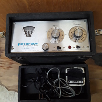 old musical instrument tuners #1: PETERSON model 400 STROBE TUNER - Electronics