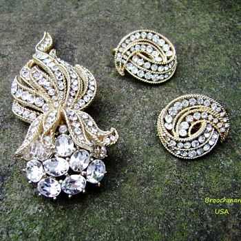 Trifari Cavalcade Brooch Set - Costume Jewelry