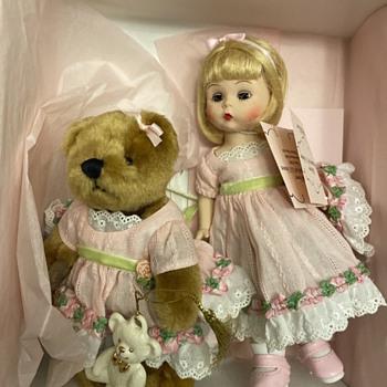Rare-MINT Madame Alexander Christmas Bear With Lenox Ornament 38535 Complete - Dolls