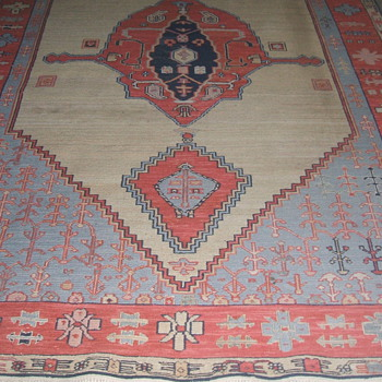 NAVAJO RUG ? - Native American