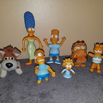 The SIMPSONS, GARFIELD, and a McD's puppy - Advertising