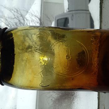 Rare fruit jar colour  - Bottles