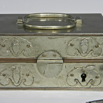 Need some information on an Opium Traveling Box - Asian