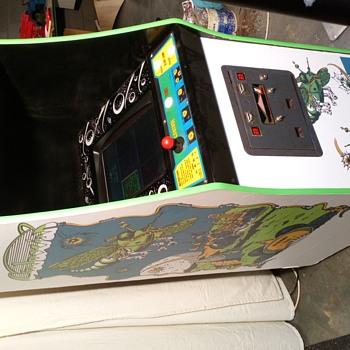 Vintage arcade game - Games
