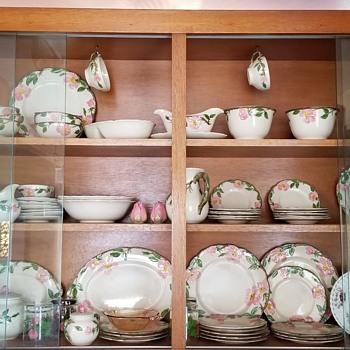 English Desert Rose Dinnerware Set - China and Dinnerware