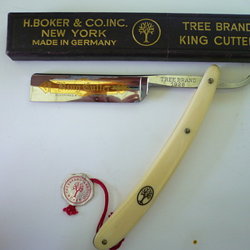 Granddad's Straight Razor - Accessories