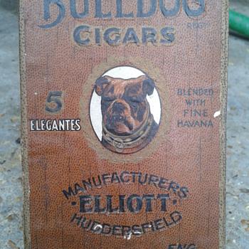 early bulldog cigar box - Tobacciana