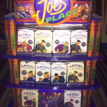 JOE CAMEL DISPLAY CASE WITH 50 CIGARETTE PACKS-1993 ISSUE.