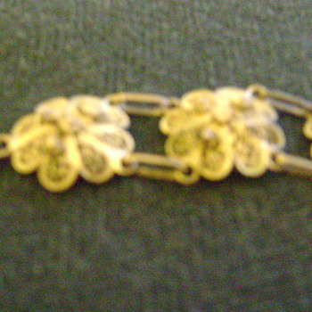 More pictures of grandmother's bracelet - Costume Jewelry