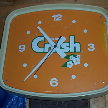 ORANGE CRUSH CLOCK--AUCTION FIND - Advertising