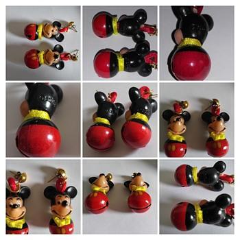 mickey christmas earrings - Costume Jewelry