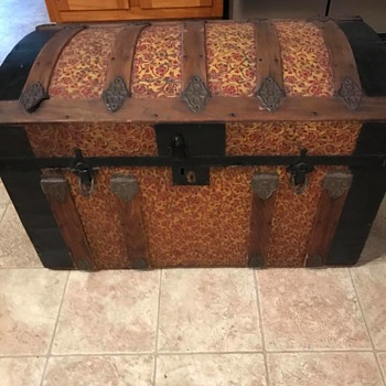 Antique Trunk? Want to know history. - Furniture