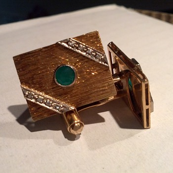 Please help identify these gold cufflinks