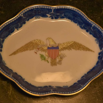 Mottahedeh E Pluribus Unum Dresser Dish - Military and Wartime