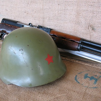 Yugoslavia M59/85 Steel Helmet with Red Star