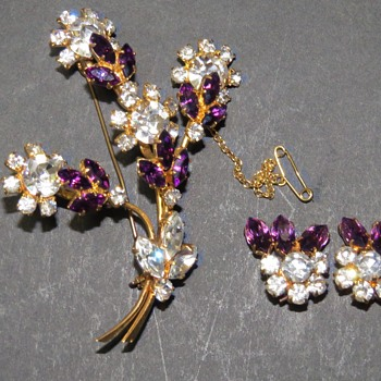 Sparkly Flower Spray Brooch and Earrings - Costume Jewelry