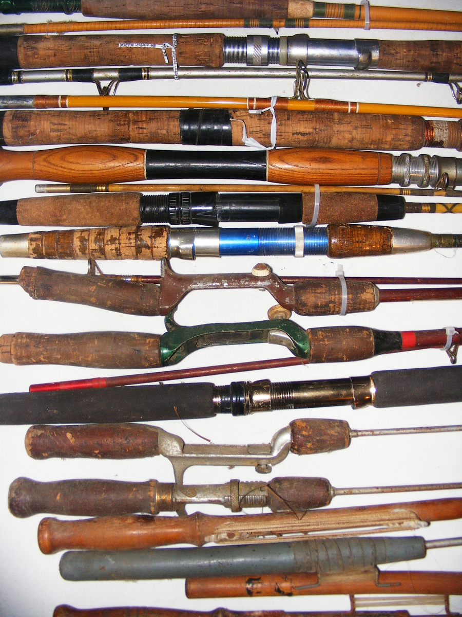 Looking for a vintage fishing tackle collector for Old fishing rods
