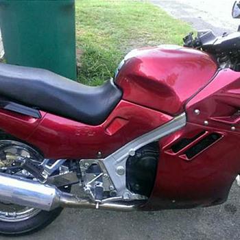 1990 SUZUKI KATANA - 90% RESTORED NEEDS TLC -ADOPT? Free to good home!!!! - Motorcycles