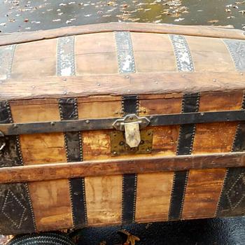 Jacob Schuff NY trunk  - Furniture