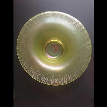 Tiffin Vaseline Stretch Bowl - Glassware
