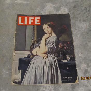 LIFE Magazines - Paper