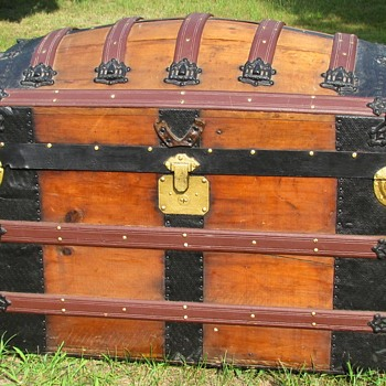 1880's? Romodka Brothers Barrel top Trunk - Furniture