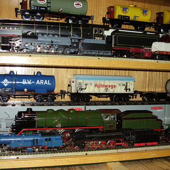 """Very rare """"O"""" guage engines and rolling stock. - Model Trains"""