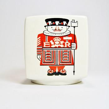 "DESIGN CENTRE LONDON "" CERAMIC BANK"" - Pottery"