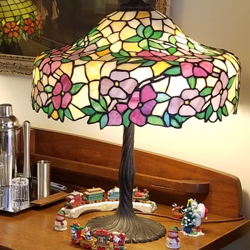 Chicago Mosaic Shade Company leaded lamp - Lamps