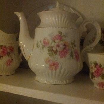Limoges/Haviland Tea set