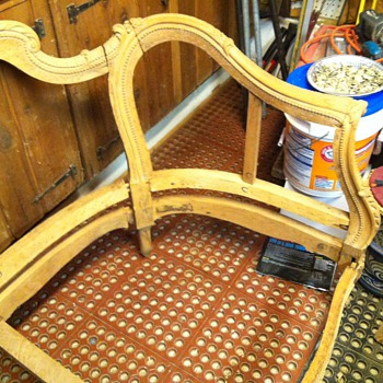 Louis XIV or XV chaise? Need help.