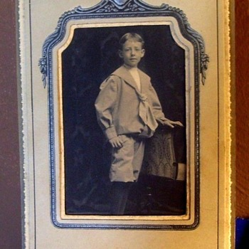 NICE OLD PHOTO IN ONE OF THOSE CARDBOARD FRAMES.
